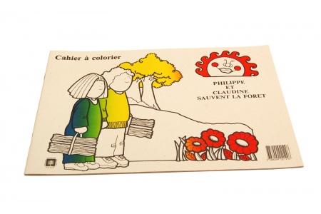 http://www.theo-et-mathilde.com/1841-thickbox/cahier-de-coloriage-philippe-et-claudine-sauvent-la-foret.jpg