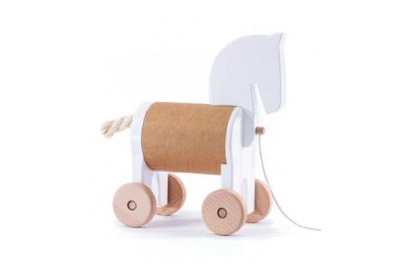 http://www.theo-et-mathilde.com/2391-thickbox/cheval-en-bois-a-tirer-bajo.jpg